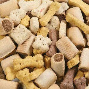 Biscuits en vrac Flamingo Jolly Mix pour chiens Les biscuits contiennent que 4% de gras et sont donc très appropriés pour les chiens âgés qui bougent moins et qui ont une prédisposition à l'obésité. Conditionnement : - Sachet de 500 g à 3,50€ - Sachet de 1 kg à 6,00€ Composition : riz, blé, viande et sous produits animaux, huiles, glucose, sel Constituants analytiques : Humidité 10% Protéine brute 9,9% Matières grasses brutes 5,8% Cendres brutes 3,6%