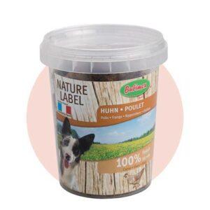 Les morceaux de poulet Bubimex sont issus de viande de poulet nature label et issue d'une fabrication française. Ces friandises sont saines et très digestes pour votre chien grâce à une viande 100% fraîche. Peu caloriques et très appétentes, elles conviennent parfaitement à tous les chiens. Seau de 150 g Composition : 100% viande de poulet. Avec une seule source de protéines, elles ne surchargent donc pas l'organisme du chien. Garantie sans arômes artificiels ni appétant chimique. Conservation optimisée grâce au seau fraîcheur.